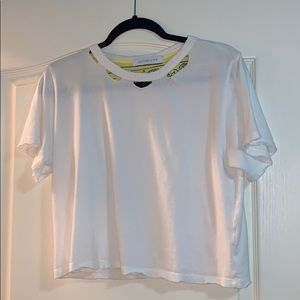 white t shirt crop top